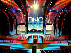 Dnc_stage